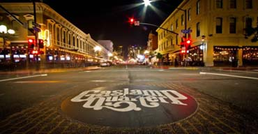 Your Expert Guide to Exploring the Gaslamp Quarter
