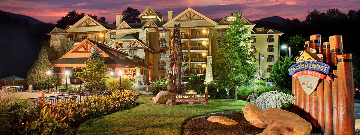 Bearskin Lodge on the River in Gatlinburg, Tennessee