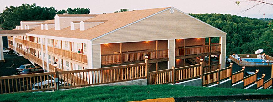 Deer run motel branson mo silver dollar city lodging for Cabins near silver dollar city