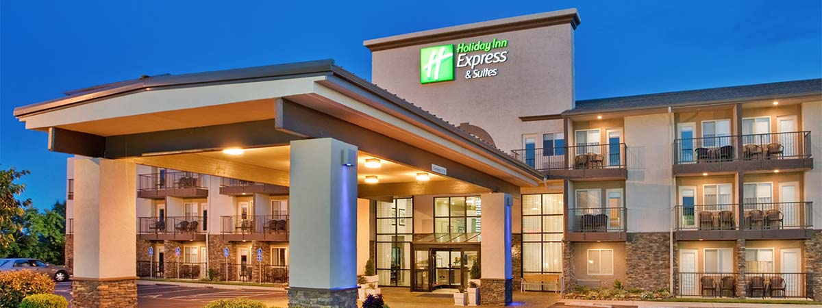 Holiday Inn Express Hotel & Suites on the Strip - 76 Central in Branson, Missouri