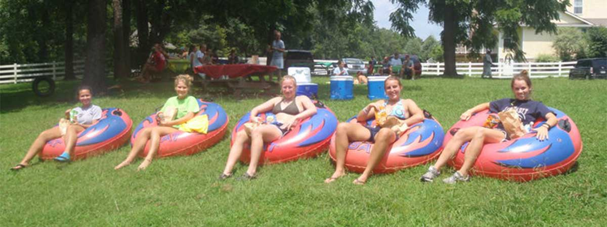 River Romp Tubes and Kayaks Rentals in Sevierville, Tennessee