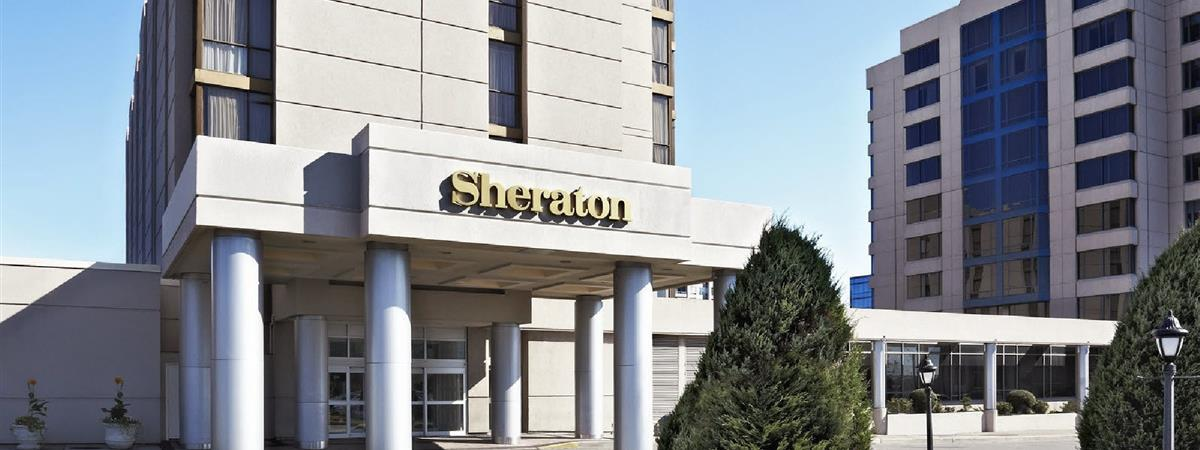 Sheraton Parkway Toronto North Hotel & Suites in Richmond Hill, Ontario