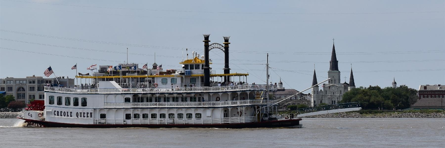 Paddlewheeler Creole Queen in New Orleans, Louisiana