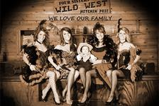 Four Sisters Old Time Photo in Pigeon Forge TN