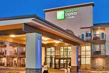 Holiday Inn Express Hotel & Suites on the Strip - 76 Central in Branson MO
