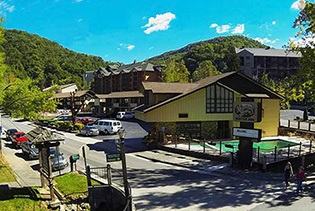 Mountain House Inn Downtown in Gatlinburg, Tennessee