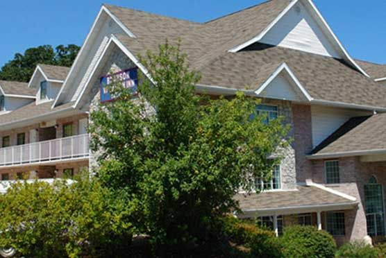 Branson Vacation Inn & Suites in Branson MO