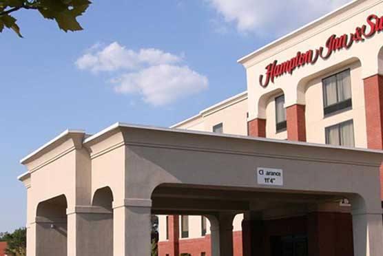 williamsburg hotels lodging in williamsburg virginia. Black Bedroom Furniture Sets. Home Design Ideas