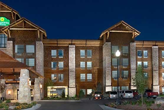 La Quinta Inn & Suites Branson Hollister in Hollister  MO
