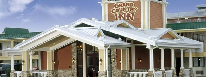 Grand Country Inn/ Indoor & Outdoor Water Park in Branson MO