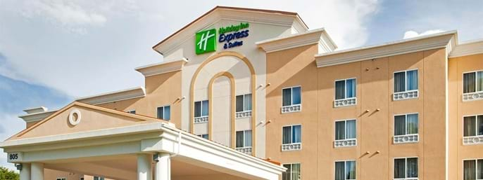 Holiday Inn Express Hotel & Suites Charlotte Arrowood in Charlotte NC