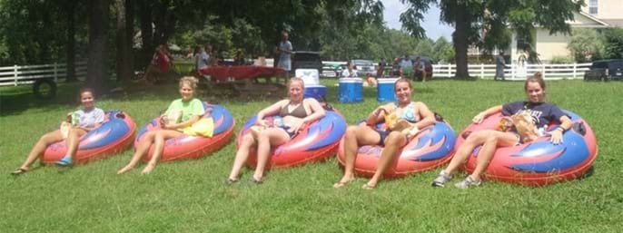 River Romp Tubes and Kayaks Rentals in Sevierville TN