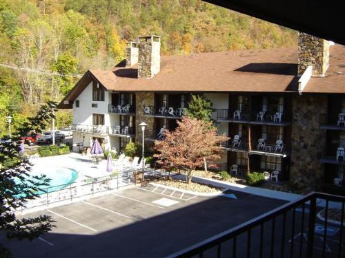 Abbott's River Edge Motor Lodge in Gatlinburg, Tennessee