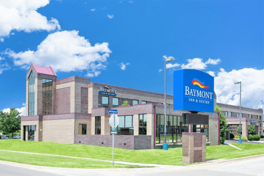 Hotel Entrance - Baymont by Wyndham Springfield South Hwy 65 in Springfield, MO