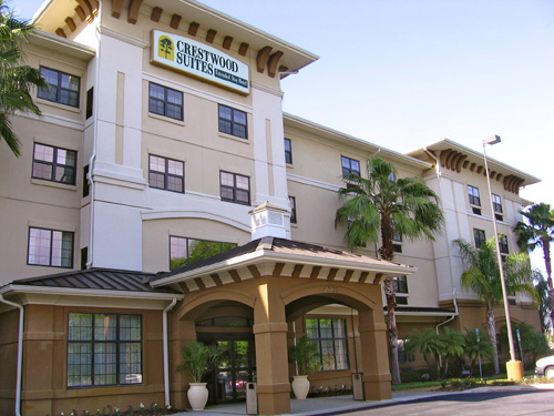 Crestwood Suites in Lakeland, Florida