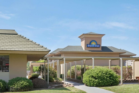 Days Inn Charlotte/Woodlawn Near Carowinds - Charlotte, NC