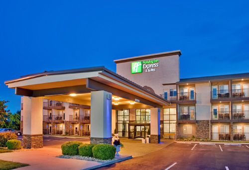Holiday Inn Express Hotel & Suites - 76 Central