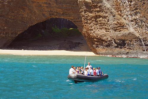 Kauai Sea Tours Na Pali Coast Beach Landing Raft Adventure 5 In Eleele Hawaii