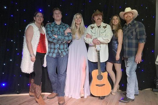 Neon Lights Cast - Neon Lights - Celebrating Decades of Country Music