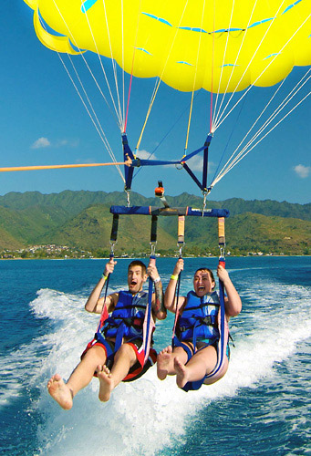Parasailing Oahu - SeaBreeze Watersports in Honolulu, Hawaii