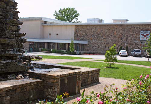Outside of Building - Ralph Foster Museum at College of the Ozarks®