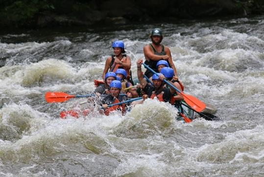 Exciting Smoky Mountain Pigeon River Rafting - Rip-Roaring Adventures Pigeon River Rafting in Hartford, TN