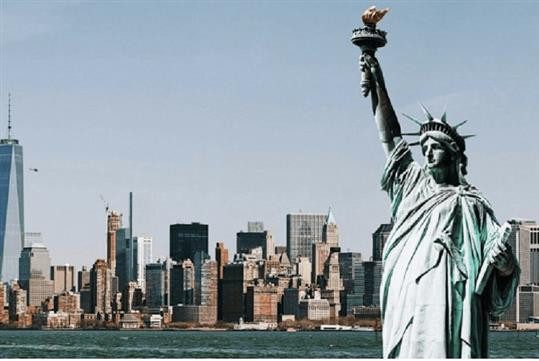 Statue of Liberty and Ellis Island Guided Tour with Babylon Tours in New York, NY