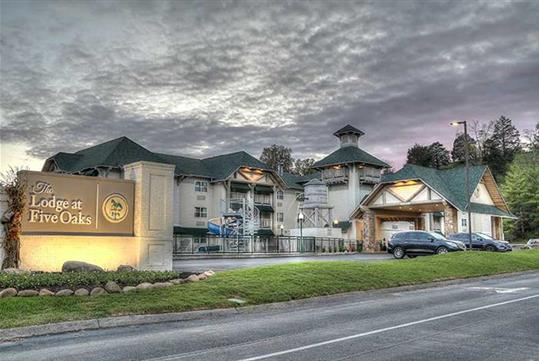 Lodge at Five Oaks, located across from Tanger Five Oaks Mall in Sevierville, Tennessee