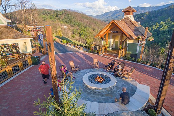 Gatlinburg Tn Hotels >> Anakeesta Gatlinburg - Chondola, Zipline, Mountain Coaster | Tripster