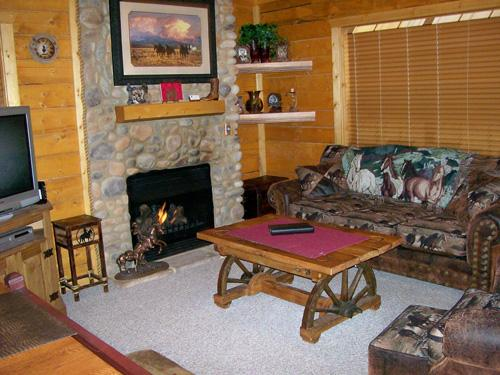 Delicieux ... Missouri Cabins At Grand Mountain By Thousand Hills Golf Resort In  Branson, Missouri ...