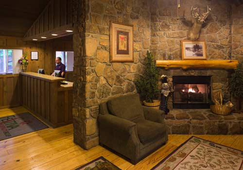 Merveilleux ... Missouri Cabins At Green Mountain In Branson, Missouri Lobby ...