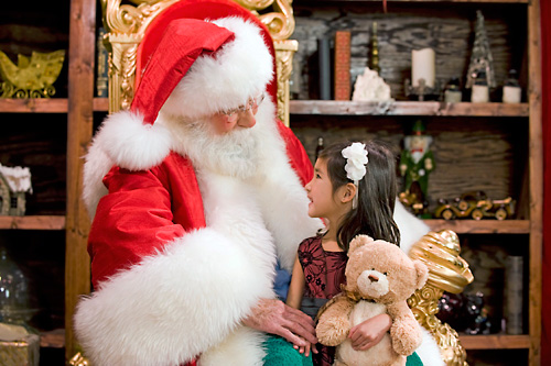 Busch Gardens Williamsburg Christmas Town 2019.Christmas Town A Busch Gardens Celebration