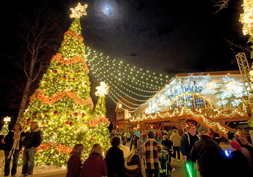 christmas town a busch gardens celebration in williamsburg virginia promotional images 44