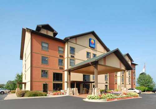 comfort inn suites branson near silver dollar city. Black Bedroom Furniture Sets. Home Design Ideas