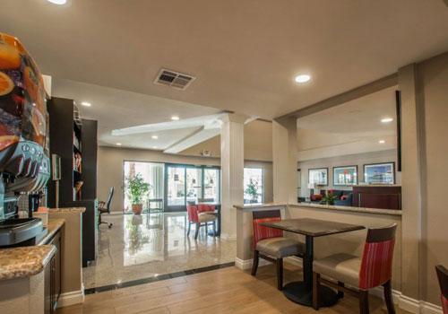 California Breakfast Room Comfort Suites Huntington Beach In