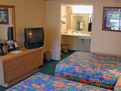 Days Inn Amp Suites Davenport Fl