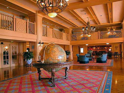 Captain S Lounge Dining Room Florida