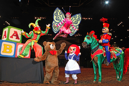 missouri toy scene dolly partons christmas stampede dinner show in branson