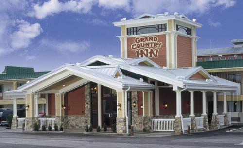 Missouri Grand Country Inn Indoor And Outdoor Water Park In Branson