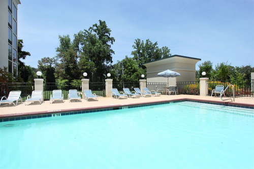 Holiday inn asheville biltmore west asheville nc - Outdoor swimming pools north west ...