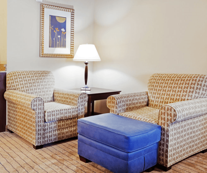 Commercial Landscaping Atlanta Austell Ga: Holiday Inn Express Hotel & Suites Austell