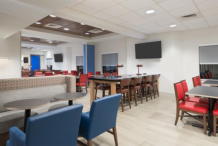 Holiday Inn Express Amp Suites Nearest Universal Orlando