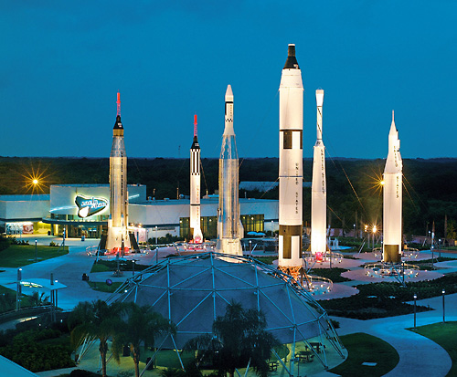 A stay in Florida isn't complete without a trip to Kennedy Space Center Visitor Complex. Near many popular Florida vacation destinations and theme parks, NASA's launch headquarters is the only place on Earth where you can tour launch areas, meet a veteran astronaut, see giant rockets, train in.