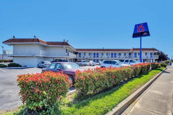 Ca Hotel Front Motel 6 Vallejo Six Flags West In