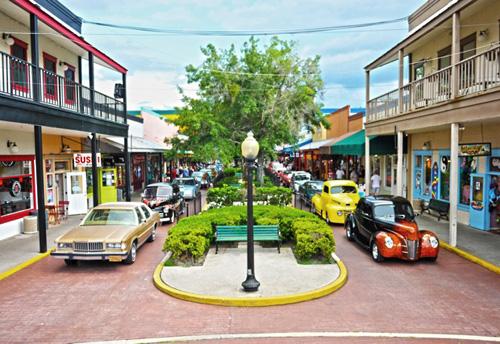 Old Town Orlando Car Show