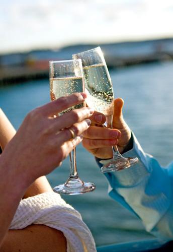 New York Harbor Dining Cruises Hornblower Cruises Nyc