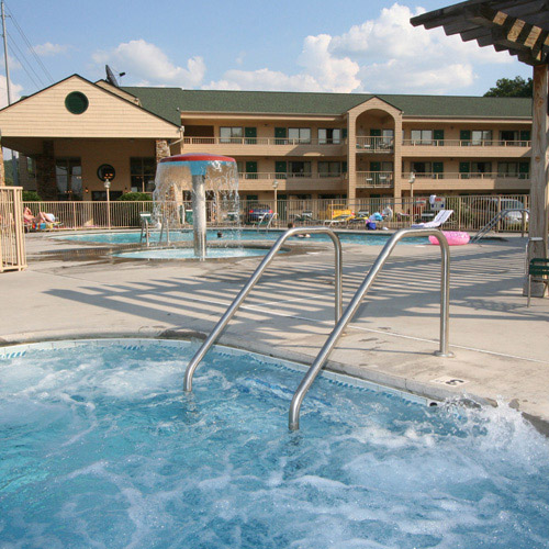 quality inn at dollywood lane