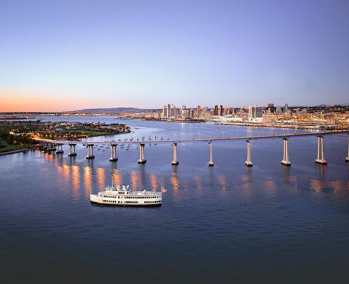 Hornblower San Diego Dinner Cruise San Diego Ca