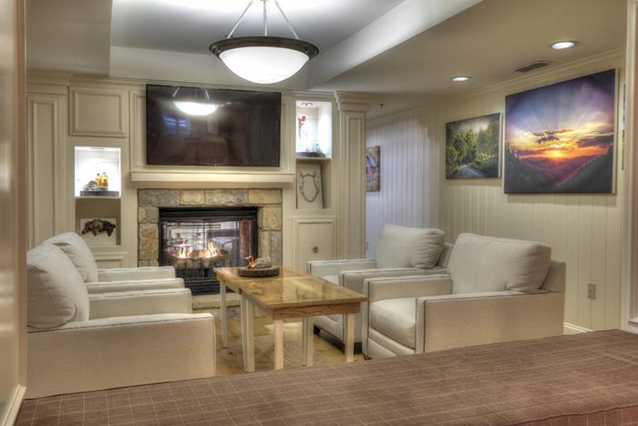 Tennessee Lodge At Five Oaks Located Across From Tanger Mall In Sevierville