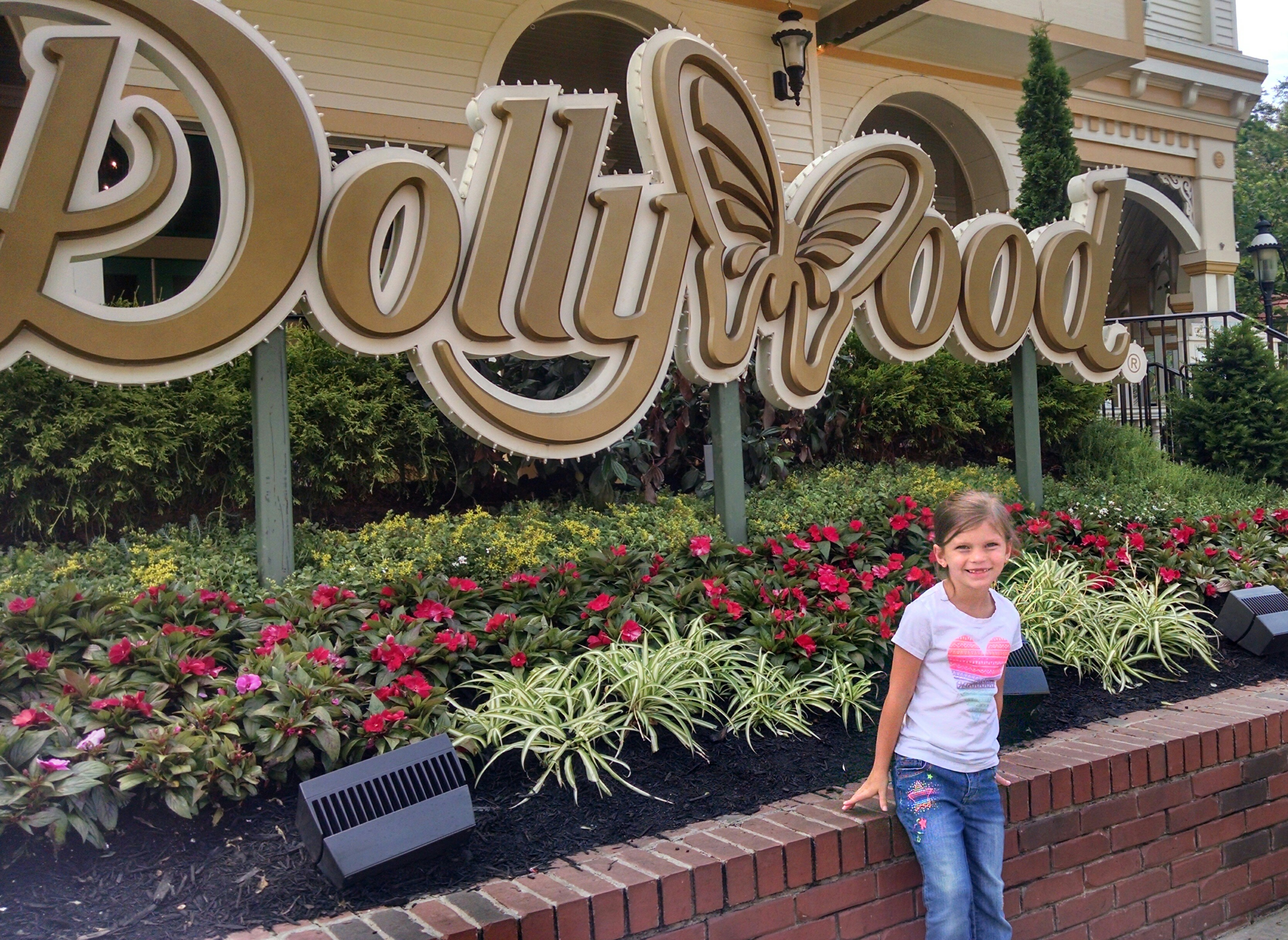 Dollywood Tickets - Pigeon Forge, TN | Dollywood Theme Park